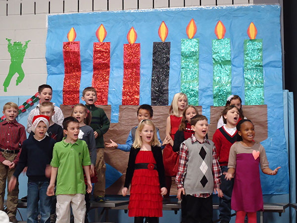 03-West Points ES celebrates the holidays